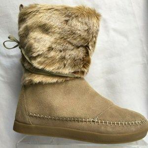 Toms Nepal Tan Faux Fur Moc Toe Winter Boots 7.5